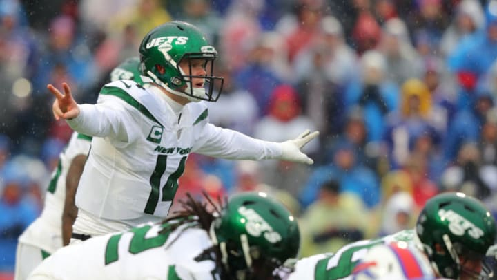 ORCHARD PARK, NY - DECEMBER 29: Sam Darnold #14 of the New York Jets calls a play during the first half against the Buffalo Bills at New Era Field on December 29, 2019 in Orchard Park, New York. (Photo by Timothy T Ludwig/Getty Images)
