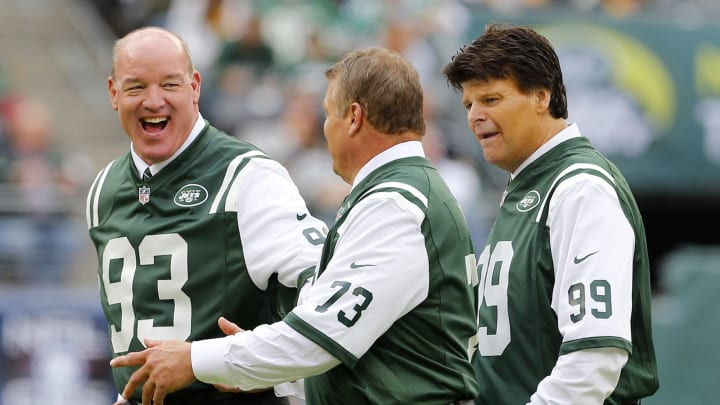 EAST RUTHERFORD, NJ – OCTOBER 13: Former New York Jets Marty Lyons #93, Joe Klecko #73 and Mark Gastineau before the start of a game against the Pittsburgh Steelers at MetLife Stadium on October 13, 2013 in East Rutherford, New Jersey. Lyons is being inducted into the teams' Ring of Honor during halftime. (Photo by Rich Schultz /Getty Images)