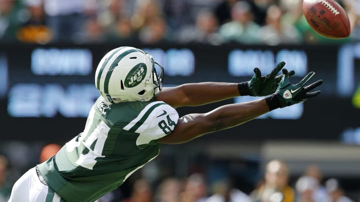 EAST RUTHERFORD, NJ – OCTOBER 13: Wide receiver Stephen Hill #846 of the New York Jets makes an attempt to catch an overthrown pass against the Pittsburgh Steelers in the first quarter during a game at MetLife Stadium on October 13, 2013 in East Rutherford, New Jersey. The Steelers defeated the Jets 19-6. (Photo by Rich Schultz /Getty Images)