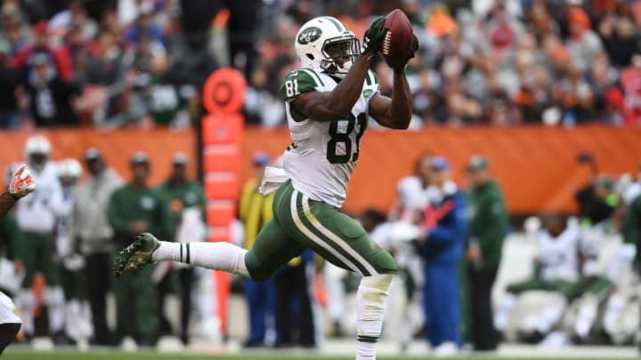 CLEVELAND, OH - OCTOBER 30: Quincy Enunwa #81 of the New York Jets makes a catch during the third quarter against the Cleveland Browns at FirstEnergy Stadium on October 30, 2016 in Cleveland, Ohio. (Photo by Jason Miller/Getty Images)