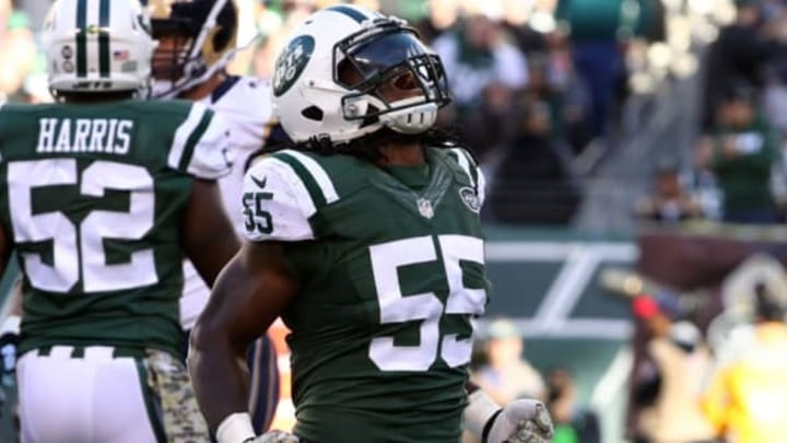 EAST RUTHERFORD, NJ – NOVEMBER 13: Lorenzo Mauldin #55 of the New York Jets celebrates sacking quarterback Case Keenum #17 of the Los Angeles Rams in the second quarter at MetLife Stadium on November 13, 2016 in East Rutherford, New Jersey. (Photo by Al Bello/Getty Images)