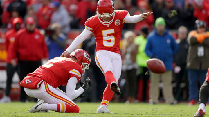 KANSAS CITY, MO – NOVEMBER 20: Kicker Cairo Santos #5 of the Kansas City Chiefs kicks a field goal from the hold of teammate Dustin Colquitt #2 for the first scoring of the game against the Tampa Bay Buccaneers at Arrowhead Stadium during the first quarter of the game on November 20, 2016 in Kansas City, Missouri. (Photo by Jamie Squire/Getty Images)