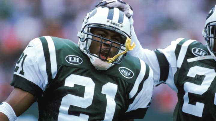17 Oct 1999: Victor Green #21 of the New York Jets catches his breath during the game against the Indianapolis Colts at the Giants Stadium in East Rutherford, New Jersey. The Colts defeated the Jets 16-13.