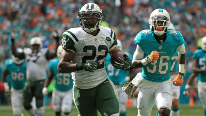 MIAMI GARDENS, FL - NOVEMBER 06: Matt Forte #22 of the New York Jets scoresa touchdown during a game against the Miami Dolphins at Hard Rock Stadium on November 6, 2016 in Miami Gardens, Florida. (Photo by Mike Ehrmann/Getty Images)
