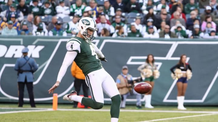 EAST RUTHERFORD, NJ - NOVEMBER 13: Lac Edwards #4 of the New York Jets in action against the Los Angeles Rams at MetLife Stadium on November 13, 2016 in East Rutherford, New Jersey. (Photo by Al Bello/Getty Images)