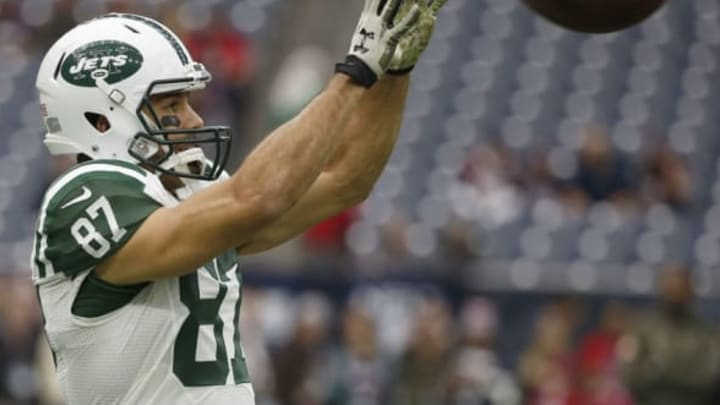 HOUSTON, TX – NOVEMBER 22: Eric Decker #87 of the New York Jets warms up before playing against the Houston Texans on November 22, 2015 at NRG Stadium in Houston, Texas. (Photo by Scott Halleran/Getty Images)