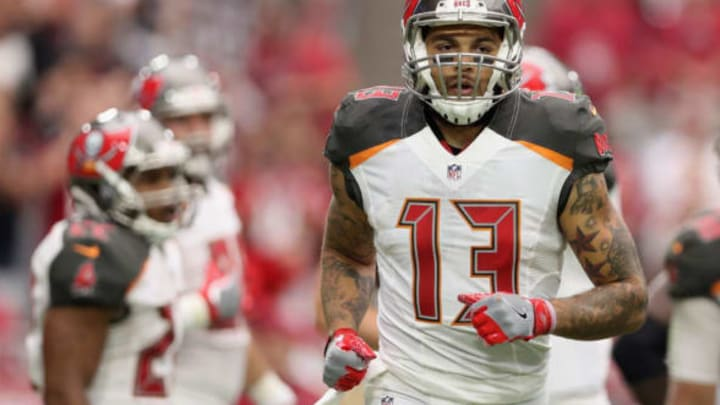 GLENDALE, AZ – SEPTEMBER 18: Wide receiver Mike Evans #13 of the Tampa Bay Buccaneers during the NFL game against the Arizona Cardinals at the University of Phoenix Stadium on September 18, 2016 in Glendale, Arizona. The Cardinals defeated the Buccaneers 40-7. (Photo by Christian Petersen/Getty Images)