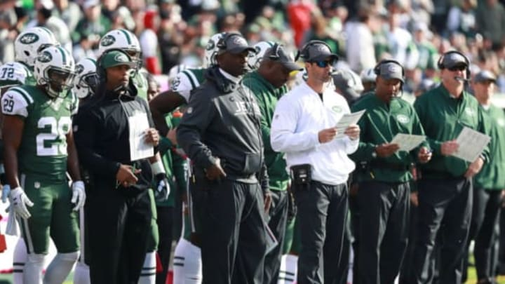 EAST RUTHERFORD, NJ – OCTOBER 23: Head coach Todd Bowles of the New York Jets looks on against the Baltimore Ravens at MetLife Stadium on October 23, 2016 in East Rutherford, New Jersey. (Photo by Michael Reaves/Getty Images)