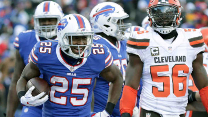 ORCHARD PARK, NY – DECEMBER 18: LeSean McCoy #25 of the Buffalo Bills runs the ball against the Cleveland Browns during the first half at New Era Field on December 18, 2016 in Orchard Park, New York. (Photo by Brett Carlsen/Getty Images)