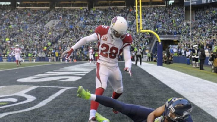 SEATTLE, WA – DECEMBER 24: Wide receiver Jermaine Kearse #15 of the Seattle Seahawks scores a touchdown against the Arizona Cardinals at CenturyLink Field on December 24, 2016 in Seattle, Washington. (Photo by Steve Dykes/Getty Images)