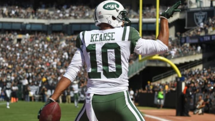 OAKLAND, CA – SEPTEMBER 17: Jermaine Kearse #10 of the New York Jets celebrates after scoring on a thirty four yard touchdown pass against the Oakland Raiders during the second quarter of their NFL football game at Oakland-Alameda County Coliseum on September 17, 2017 in Oakland, California. (Photo by Thearon W. Henderson/Getty Images)