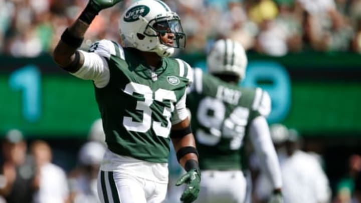 EAST RUTHERFORD, NJ – SEPTEMBER 24: Jamal Adams #33 of the New York Jets reacts against the Miami Dolphins during the first half of an NFL game at MetLife Stadium on September 24, 2017 in East Rutherford, New Jersey. (Photo by Rich Schultz/Getty Images)