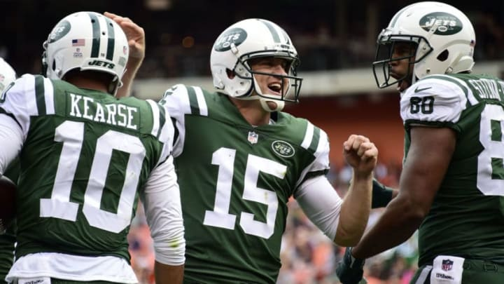CLEVELAND, OH - OCTOBER 08: Josh McCown #15 of the New York Jets celebrates a touchdown in the fourth quarter against the Cleveland Browns at FirstEnergy Stadium on October 8, 2017 in Cleveland, Ohio. (Photo by Jason Miller/Getty Images)