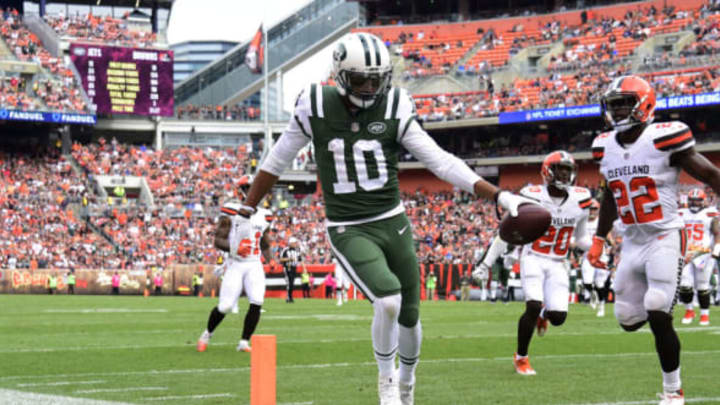 CLEVELAND, OH – OCTOBER 08: Jermaine Kearse #10 of the New York Jets runs the ball in for a touchdown in the fourth quarter against the Cleveland Browns at FirstEnergy Stadium on October 8, 2017 in Cleveland, Ohio. (Photo by Jason Miller/Getty Images)