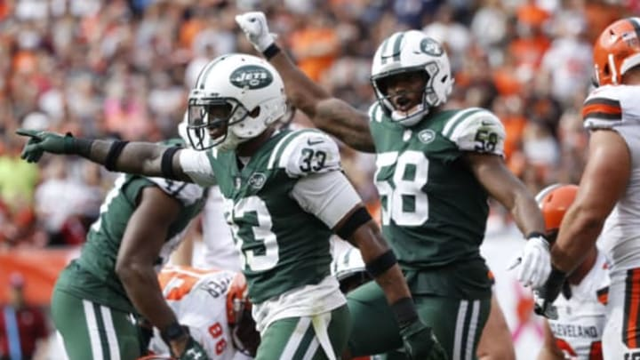 CLEVELAND, OH – OCTOBER 08: Jamal Adams #33 of the New York Jets celebrates a play in the second half against the Cleveland Browns at FirstEnergy Stadium on October 8, 2017 in Cleveland, Ohio. (Photo by Joe Robbins/Getty Images)