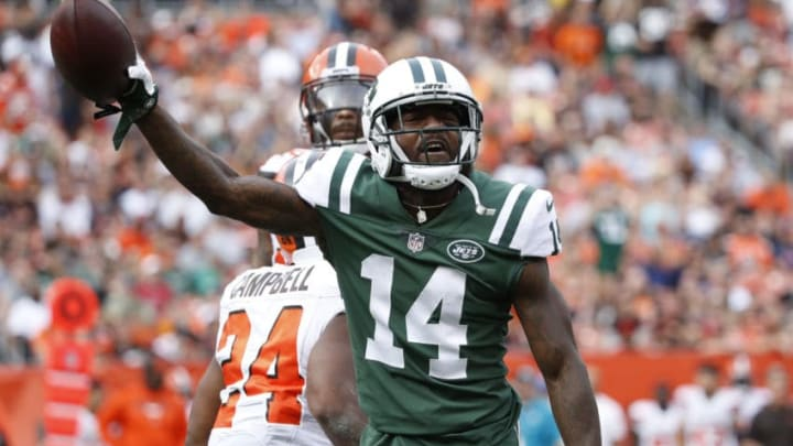 CLEVELAND, OH - OCTOBER 08: Jeremy Kerley #14 of the New York Jets celebrates a play in the second half against the Cleveland Browns at FirstEnergy Stadium on October 8, 2017 in Cleveland, Ohio. (Photo by Joe Robbins/Getty Images)
