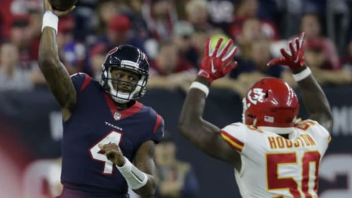 HOUSTON, TX – OCTOBER 08: Deshaun Watson #4 of the Houston Texans throws a pass under pressure by Justin Houston #50 of the Kansas City Chiefs in the fourth quarter throws at NRG Stadium on October 8, 2017 in Houston, Texas. (Photo by Tim Warner/Getty Images)