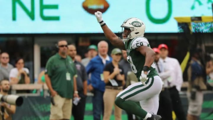 EAST RUTHERFORD, NJ – OCTOBER 15: Inside linebacker Darron Lee #58 of the New York Jets reacts against the New England Patriots during the second quarter of their game at MetLife Stadium on October 15, 2017 in East Rutherford, New Jersey. (Photo by Abbie Parr/Getty Images)