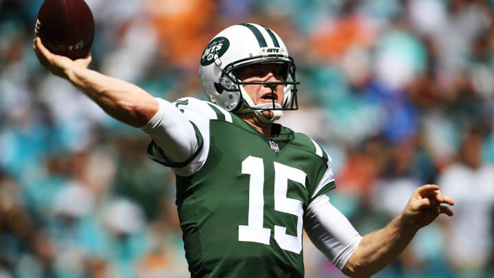 MIAMI GARDENS, FL – OCTOBER 22: Josh McCown #15 of the New York Jets passes during a game against the Miami Dolphins at Hard Rock Stadium on October 22, 2017 in Miami Gardens, Florida. (Photo by Rob Foldy/Getty Images)