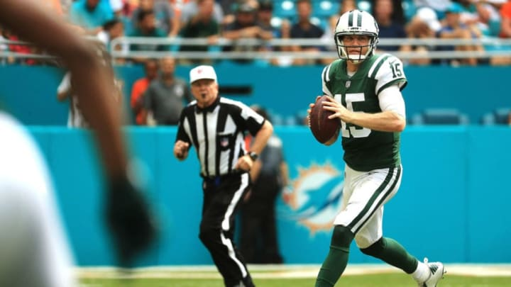 MIAMI GARDENS, FL - OCTOBER 22: Josh McCown #15 of the New York Jets looks to pass during a game against the Miami Dolphins at Hard Rock Stadium on October 22, 2017 in Miami Gardens, Florida. (Photo by Mike Ehrmann/Getty Images)