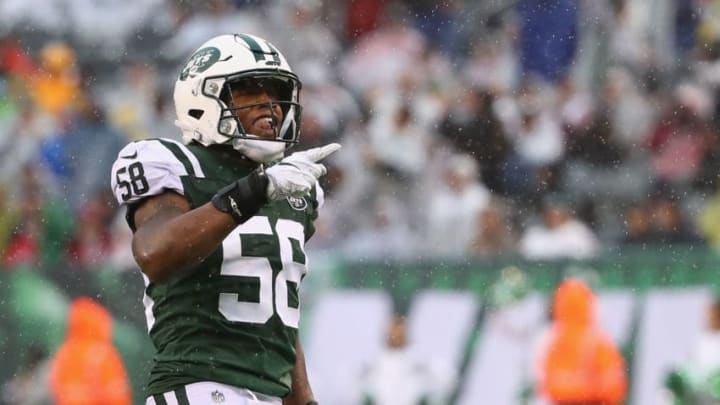 EAST RUTHERFORD, NJ - OCTOBER 29: Inside linebacker Darron Lee #58 of the New York Jets celebrates a recovery by teammate Jordan Jenkins #48 (not pictured) in the first quarter against the Atlanta Falcons at MetLife Stadium on October 29, 2017 in East Rutherford, New Jersey. (Photo by Al Bello/Getty Images)