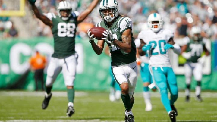 EAST RUTHERFORD, NJ - SEPTEMBER 24: Robby Anderson #11 of the New York Jets catches a touchdown pass against the Miami Dolphins during the first half of an NFL game at MetLife Stadium on September 24, 2017 in East Rutherford, New Jersey. (Photo by Rich Schultz/Getty Images)