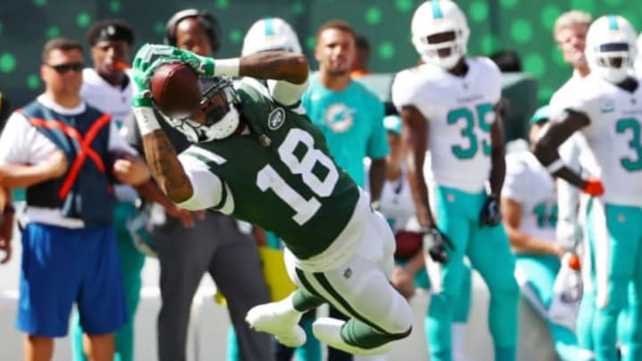 EAST RUTHERFORD, NJ – SEPTEMBER 24: ArDarius Stewart #18 of the New York Jets makes a catch against the Miami Dolphins during the first half of an NFL game at MetLife Stadium on September 24, 2017 in East Rutherford, New Jersey. (Photo by Al Bello/Getty Images)