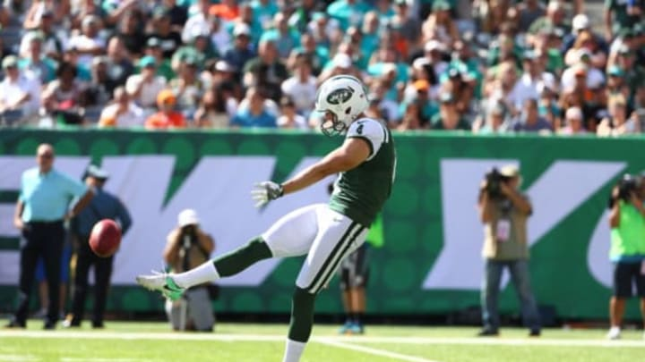 EAST RUTHERFORD, NJ – SEPTEMBER 24: Lachlan Edwards #4 of the New York Jets punts against the Miami Dolphins during their game at MetLife Stadium on September 24, 2017 in East Rutherford, New Jersey. (Photo by Al Bello/Getty Images)