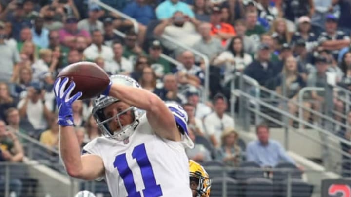 ARLINGTON, TX – OCTOBER 08: Cole Beasley #11 of the Dallas Cowboys pulls in a touchdown pass ahead of Quinten Rollins #24 of the Green Bay Packers in the second quarter of a football game at AT&T Stadium on October 8, 2017 in Arlington, Texas. (Photo by Tom Pennington/Getty Images)