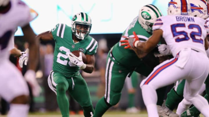 EAST RUTHERFORD, NJ – NOVEMBER 02: Running back Bilal Powell #29 of the New York Jets carries the ball against the Buffalo Bills during the first quarter of the game at MetLife Stadium on November 2, 2017 in East Rutherford, New Jersey. (Photo by Elsa/Getty Images)
