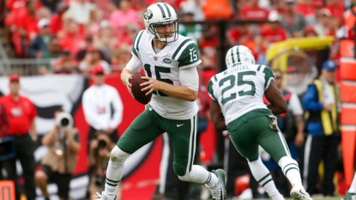 TAMPA, FL - NOVEMBER 12: Quarterback Josh McCown #15 of the New York Jets looks for a receiver during the first quarter of an NFL football game against the Tampa Bay Buccaneers on November 12, 2017 at Raymond James Stadium in Tampa, Florida. (Photo by Brian Blanco/Getty Images)