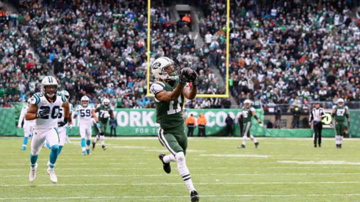 EAST RUTHERFORD, NJ - NOVEMBER 26: Wide receiver Robby Anderson #11 of the New York Jets makes a catch and scores a touchdown during the third quarter of the game at MetLife Stadium on November 26, 2017 in East Rutherford, New Jersey. (Photo by Al Bello/Getty Images)