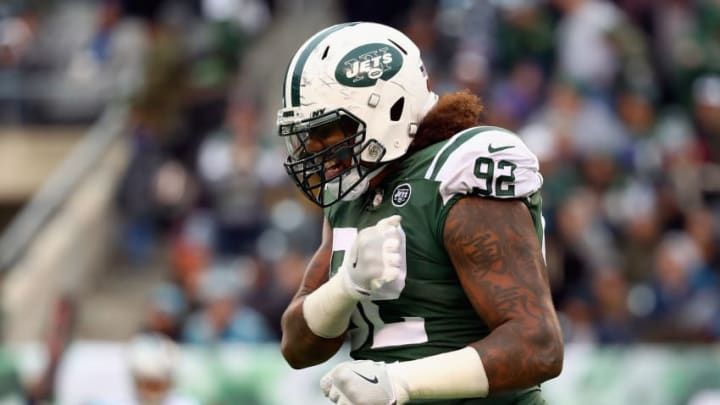 EAST RUTHERFORD, NJ - NOVEMBER 26: Defensive end Leonard Williams #92 of the New York Jets reacts during the third quarter of the game at MetLife Stadium on November 26, 2017 in East Rutherford, New Jersey. (Photo by Al Bello/Getty Images)