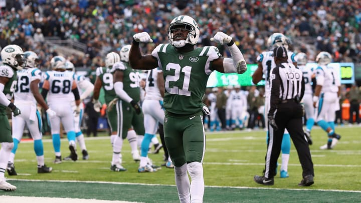EAST RUTHERFORD, NJ – NOVEMBER 26: Cornerback Morris Claiborne #21 of the New York Jets reacts during the second half of the game at MetLife Stadium on November 26, 2017 in East Rutherford, New Jersey. The Carolina Panthers won 35-27. (Photo by Al Bello/Getty Images)