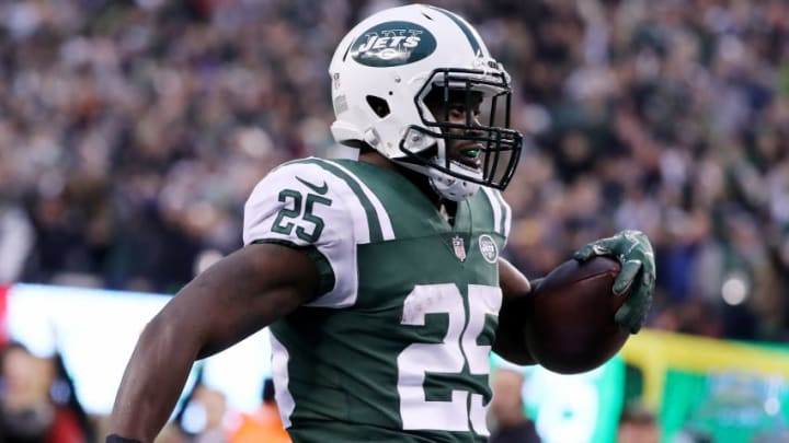 EAST RUTHERFORD, NEW JERSEY - DECEMBER 03: Elijah McGuire #25 of the New York Jets carries the ball in for the two point conversion in the fourth quarter against the Kansas City Chiefs on December 03, 2017 at MetLife Stadium in East Rutherford, New Jersey.The New York Jets defeated the Kansas City Chiefs 38-31. (Photo by Elsa/Getty Images)