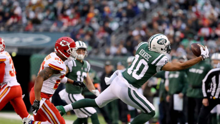 EAST RUTHERFORD, NEW JERSEY - DECEMBER 03: Jermaine Kearse #10 of the New York Jets makes the first down catch as Steven Nelson #20 of the Kansas City Chiefs defends in the fourth quarter on December 03, 2017 at MetLife Stadium in East Rutherford, New Jersey.The New York Jets defeated the Kansas City Chiefs 38-31. (Photo by Elsa/Getty Images)