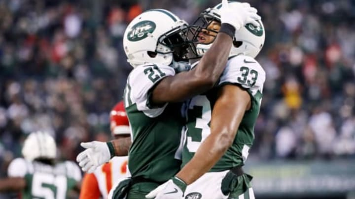 EAST RUTHERFORD, NEW JERSEY – DECEMBER 03: Morris Claiborne #21 and Jamal Adams #33 of the New York Jets celebrate in the fourth quarter against the Kansas City Chiefs on December 03, 2017 at MetLife Stadium in East Rutherford, New Jersey.The New York Jets defeated the Kansas City Chiefs 38-31. (Photo by Elsa/Getty Images)