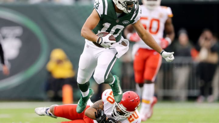 EAST RUTHERFORD, NEW JERSEY - DECEMBER 03: Jermaine Kearse #10 of the New York Jets carries the ball as Steven Nelson #20 of the Kansas City Chiefs defends on December 03, 2017 at MetLife Stadium in East Rutherford, New Jersey.The New York Jets defeated the Kansas City Chiefs 38-31. (Photo by Elsa/Getty Images)