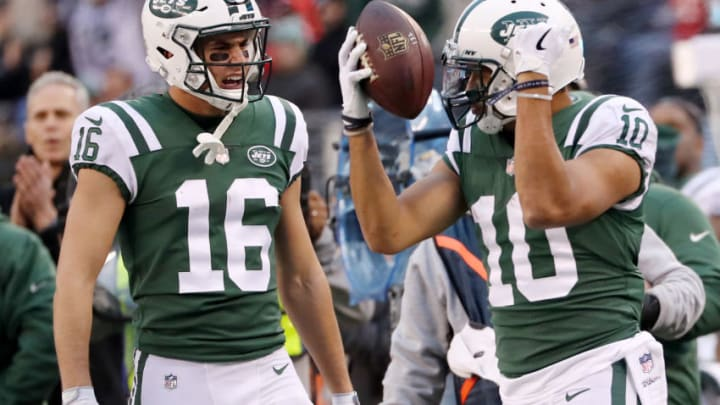 EAST RUTHERFORD, NEW JERSEY - DECEMBER 03: Chad Hansen #16 of the New York Jets celebrates after teammate Jermaine Kearse #10 made a one handed catch for the first down against the Kansas City Chiefs on December 03, 2017 at MetLife Stadium in East Rutherford, New Jersey.The New York Jets defeated the Kansas City Chiefs 38-31. (Photo by Elsa/Getty Images)
