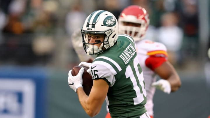 EAST RUTHERFORD, NEW JERSEY - DECEMBER 03: Chad Hansen #16 of the New York Jets makes the catch against the Kansas City Chiefs on December 03, 2017 at MetLife Stadium in East Rutherford, New Jersey.The New York Jets defeated the Kansas City Chiefs 38-31. (Photo by Elsa/Getty Images)
