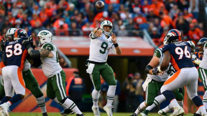 DENVER, CO - DECEMBER 10: Quarterback Bryce Petty #9 of the New York Jets throws a pass against the Denver Broncos in the third quarter of a game at Sports Authority Field at Mile High on December 10, 2017 in Denver, Colorado. (Photo by Dustin Bradford/Getty Images)
