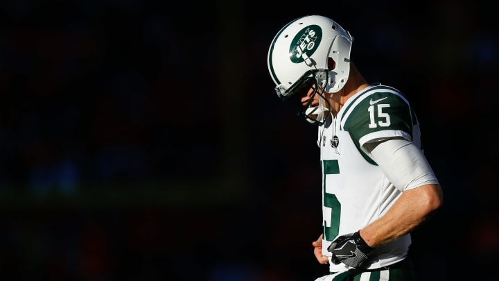 DENVER, CO – DECEMBER 10: Quarterback Josh McCown #15 of the New York Jets walks on the field between plays against the Denver Broncos at Sports Authority Field at Mile High on December 10, 2017 in Denver, Colorado. (Photo by Justin Edmonds/Getty Images)