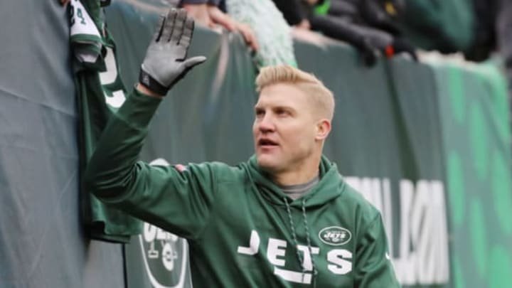 EAST RUTHERFORD, NJ – DECEMBER 24: Josh McCown #15 of the New York Jets high fives the fans prior to an NFL game against the Los Angeles Chargers at MetLife Stadium on December 24, 2017 in East Rutherford, New Jersey. (Photo by Abbie Parr/Getty Images)