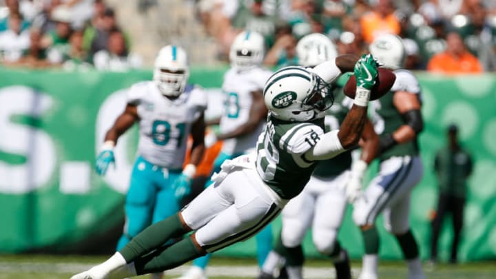 EAST RUTHERFORD, NJ - SEPTEMBER 24: ArDarius Stewart #18 of the New York Jets makes a catch against the Miami Dolphins during the first half of an NFL game at MetLife Stadium on September 24, 2017 in East Rutherford, New Jersey. (Photo by Rich Schultz/Getty Images)