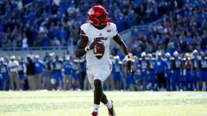 LEXINGTON, KY – NOVEMBER 25: Lamar Jackson #8 of the Louisville Cardinals runs with the ball against the Kentucky Wildcats during the game at Commonwealth Stadium on November 25, 2017 in Lexington, Kentucky. (Photo by Andy Lyons/Getty Images)