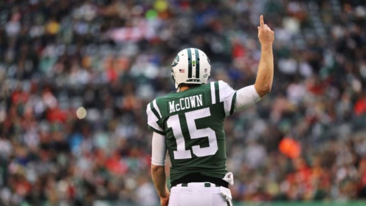 EAST RUTHERFORD, NJ - DECEMBER 03: Josh McCown #15 of the New York Jets celebreates after scoring a touchdown in the first quarter during their game at MetLife Stadium on December 3, 2017 in East Rutherford, New Jersey. (Photo by Abbie Parr/Getty Images)