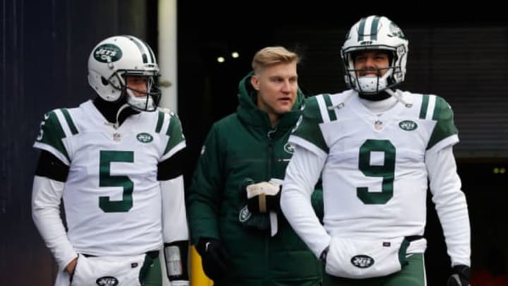FOXBORO, MA – DECEMBER 31: Christian Hackenberg #5, Josh McCown #15, and Bryce Petty #9 of the New York Jets walk onto the field before the game against the New England Patriots at Gillette Stadium on December 31, 2017 in Foxboro, Massachusetts. (Photo by Jim Rogash/Getty Images)