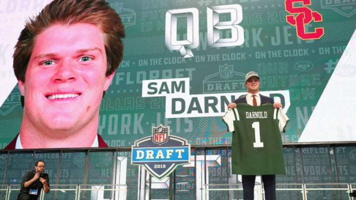 ARLINGTON, TX - APRIL 26: Sam Darnold of USC poses after being picked #3 overall by the New York Jets during the first round of the 2018 NFL Draft at AT&T Stadium on April 26, 2018 in Arlington, Texas. (Photo by Tom Pennington/Getty Images)
