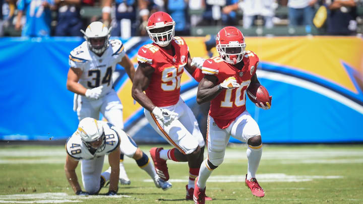 CARSON, CA – SEPTEMBER 09: Wide receiver Tyreek Hill #10 of the Kansas City Chiefs runs the ball for a touchdown in the first quarter against the Los Angeles Chargers at StubHub Center on September 9, 2018 in Carson, California. (Photo by Kevork Djansezian/Getty Images)