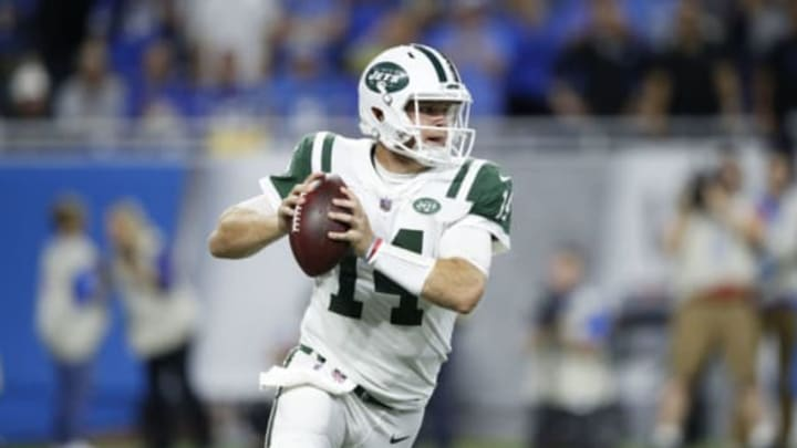 DETROIT, MI – SEPTEMBER 10: Sam Darnold #14 of the New York Jets drops back to pass in the first quarter against the Detroit Lions at Ford Field on September 10, 2018 in Detroit, Michigan. New York Jets (Photo by Joe Robbins/Getty Images)